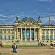 Der Reichstag in Berlin von vorne