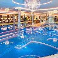 6.500 m² Wellnessbereich mit  Pools im 5* Hotel Jagdhof