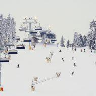 Skilift und Wintersportler in Winterberg