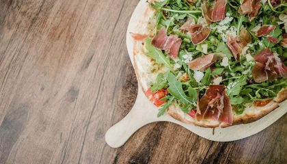Frisch gemachte Pizza