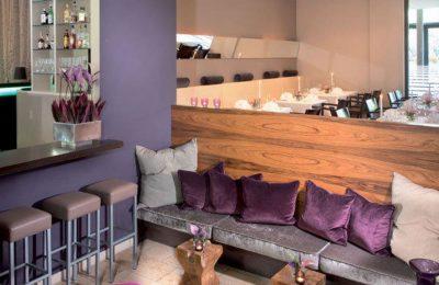 Gemütliche Lounge mit Sitzecken