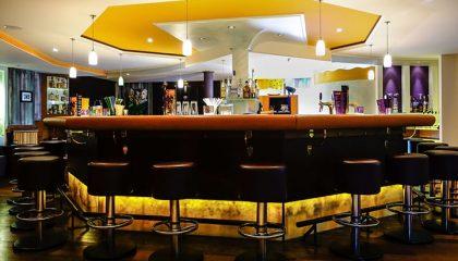 Orange leuchtende Bar