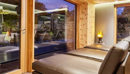 Blick vom Bett im Ruheraum nach draußen
