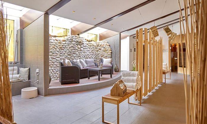 Saunabereich mit Eingang zu Saunen