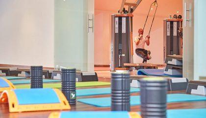 Yoga Matten und Sportgeräte