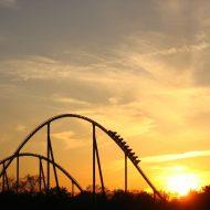 Achterbahn bei Sonnenuntergang