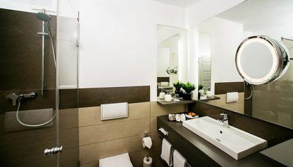 Neu gestatetes Badezimmer im Hotel