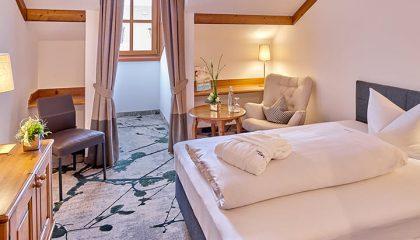 Bett im Einzelzimmer Kategorie III