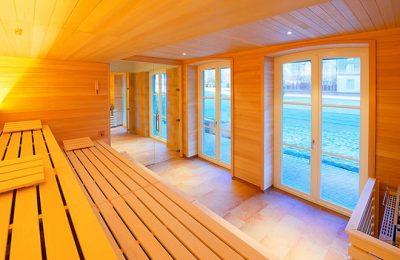 Orang leuchtende Sauna