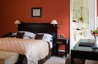 Bett im Zimmer Superior