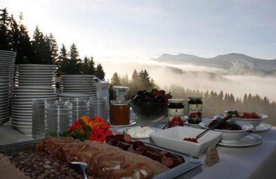 Buffet beim Bergfrühstück