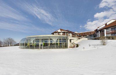 Verschneites Hotel Fürstenhof im Winter