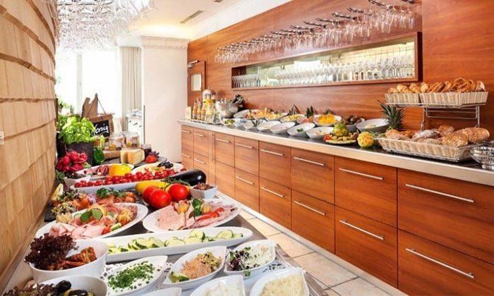 Mittagsbuffet im Helvetia