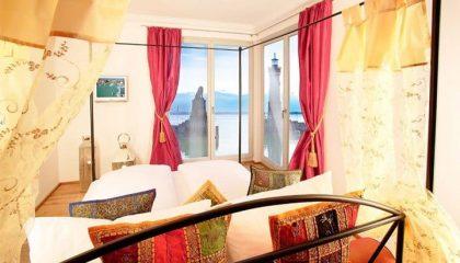Bett in der Oriental Romantiksuite