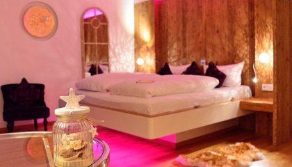 Bett in der Zimmer Red Coral Deluxe