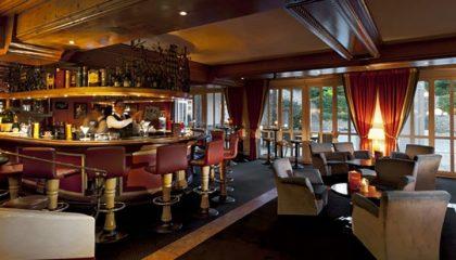 Bar von der Seite