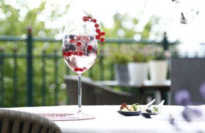 Süßer Drink im Garten