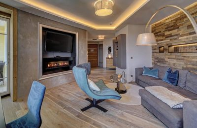 Wohnbereich mit Sessel in der neuen Panoramasuite