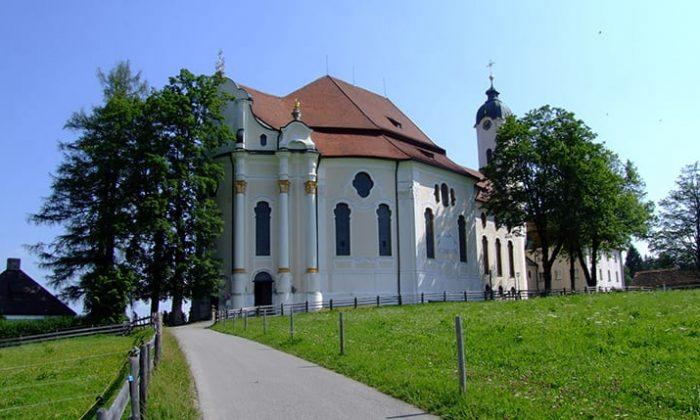 Kirche in Bayern in der Natur
