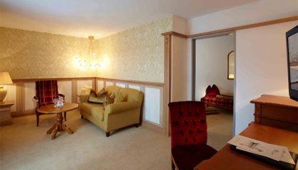 Wohnraum in der Romantik Suite Sissi