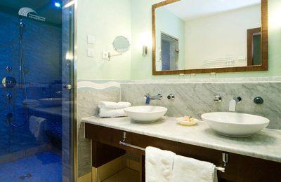 Bad in der Suite Wasser