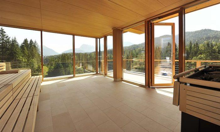 Sauna mit großer Glassfassade