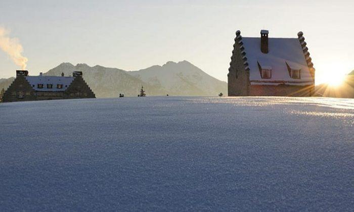Das verschneite Hotel Das Kranzbach im Winter