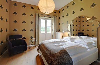 Bett im Junior Doppelzimmer