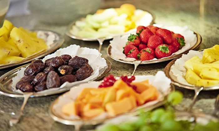 Buffet mit frischem Obst