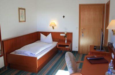 Bett im Landhaus Einzelzimmer