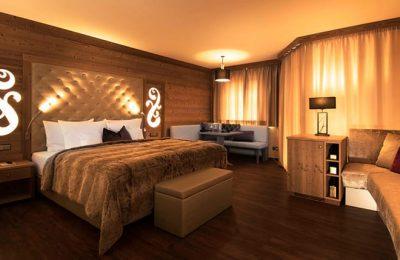 Bett in der Hirschensteinsuite de luxe