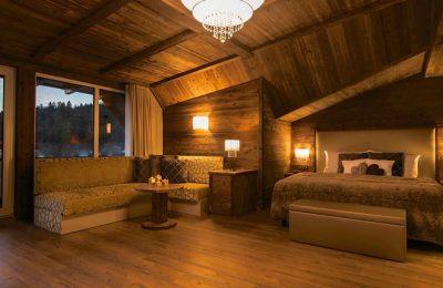 Bett und Wohnraum im Storchennest