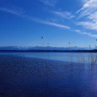 Wasseroberfläche des Starnberger Sees in Oberbayern