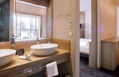 Badezimmer im Panoramahotel