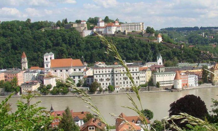 Skyline von Passau mit Fluss