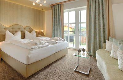 Bett im Zimmer Himmelreich