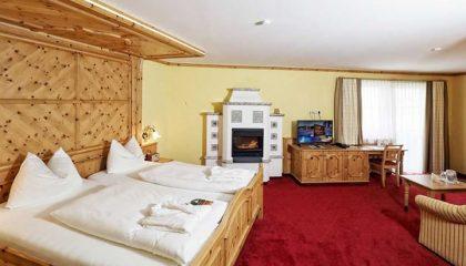 Bett in der Zirben Relaxzimmer