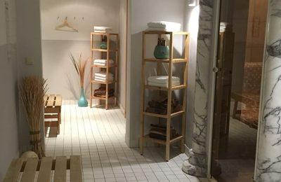 Eingang zum Saunabereich