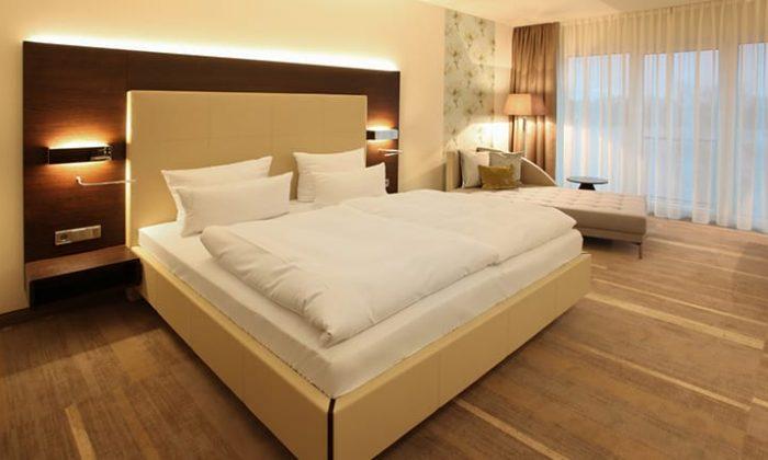 Bett im Panoramazimmer