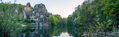 Panoramablick auf Felsformation im Teutoburger Wald