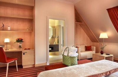 Wohnraum im Doppelzimmer Lichtflügel Talseite