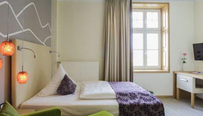 Bett im Einzelzimmer Stammhuas A Talseite