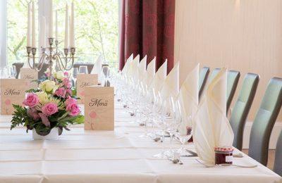 Tisch für feierlichen Anlass