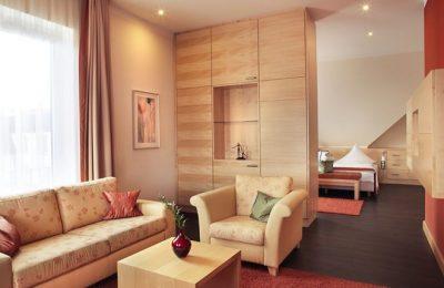 Wohnraum in der Panoramasuite 229 Talseite
