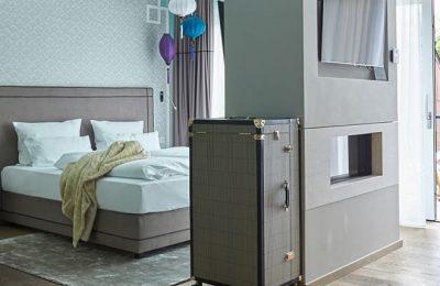 Bett und Wohnraum in der Junior Suite Tiffany