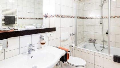 Bad im Schlafzimmer Landidyll Klassik