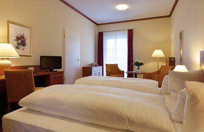 Betten und Wohnraum 2-Raum Suite Familienzimmer