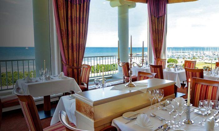 Restaurant mit Meerblick