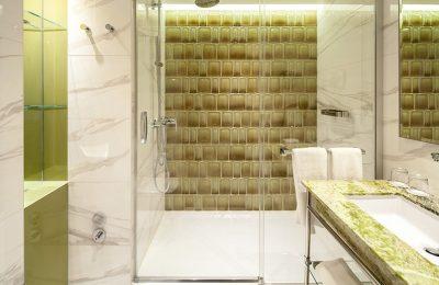 Dusche im Classic Room