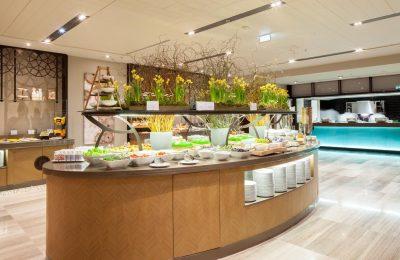 Große Buffetauswahl im Restaurant Alesta